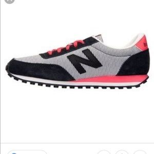 New balance retro stripe sneaker sz 6 new!
